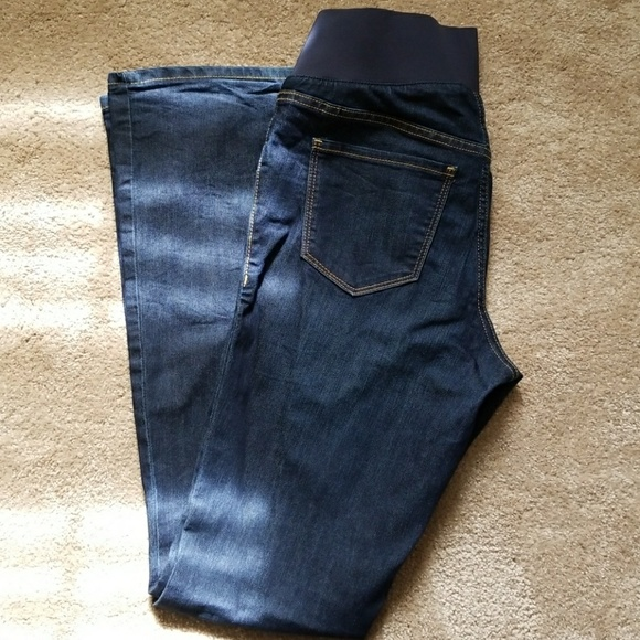 86e58b273aa40 Old Navy Rockstar Demi Boot Maternity Jeans. M_5a9446e384b5ce2e73612d6d
